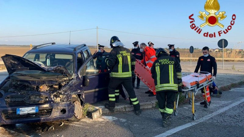 Incidente stradale in località Bucchi